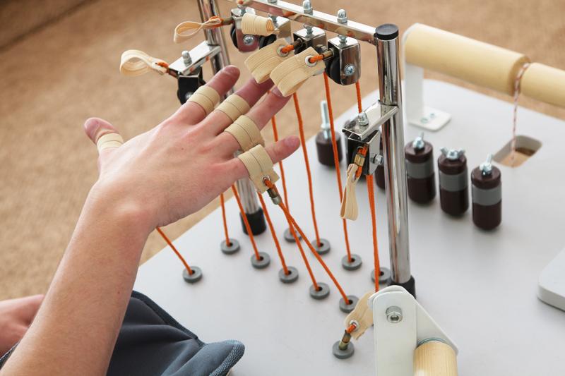 Тренировка мышц кисти и предплечья. Специальные тренажеры для разработки мелкой моторики.