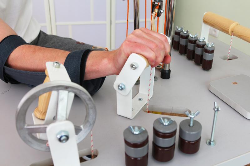 На тренажерах для кисти предплечья тренируются практически все движения, совершаемые в кисти и лучезапястном суставе.