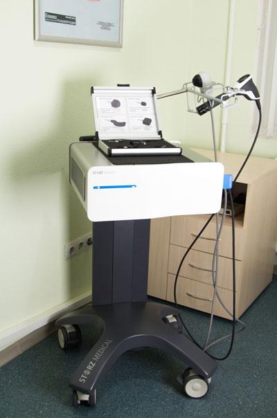 Аппарат для ударно-волновой терапии Duolith SD Ultra для лечения травматологических показаний.