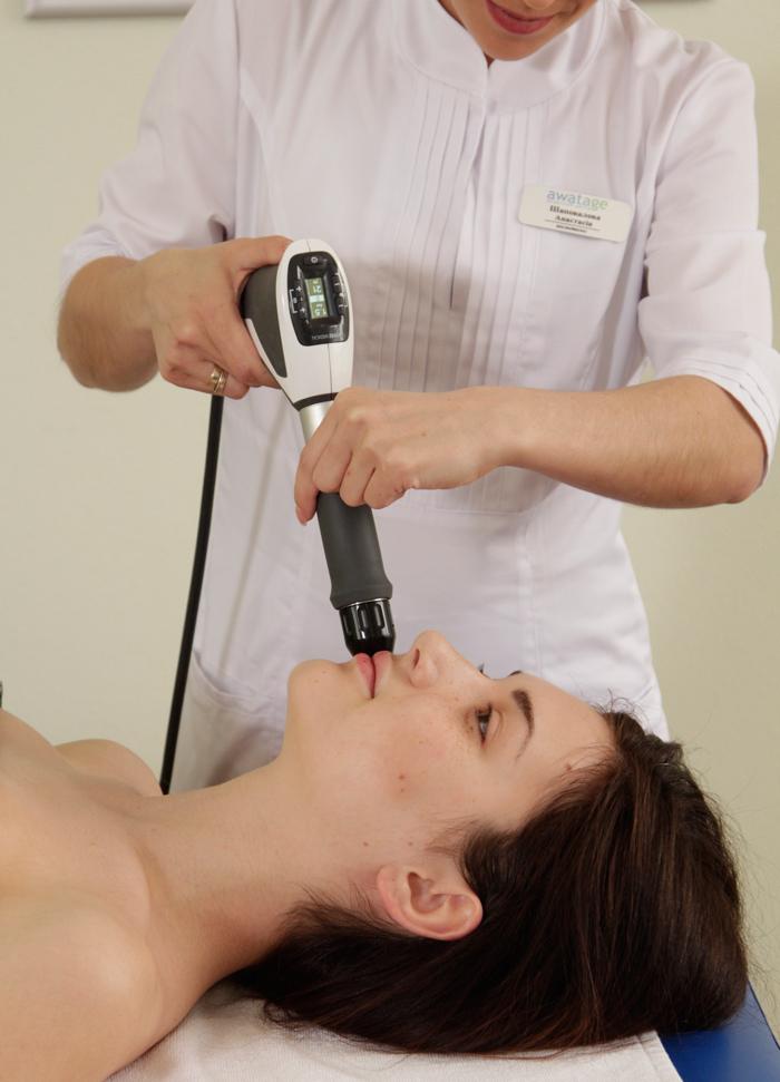 Акустическо-волновая терапия и коррекция губ