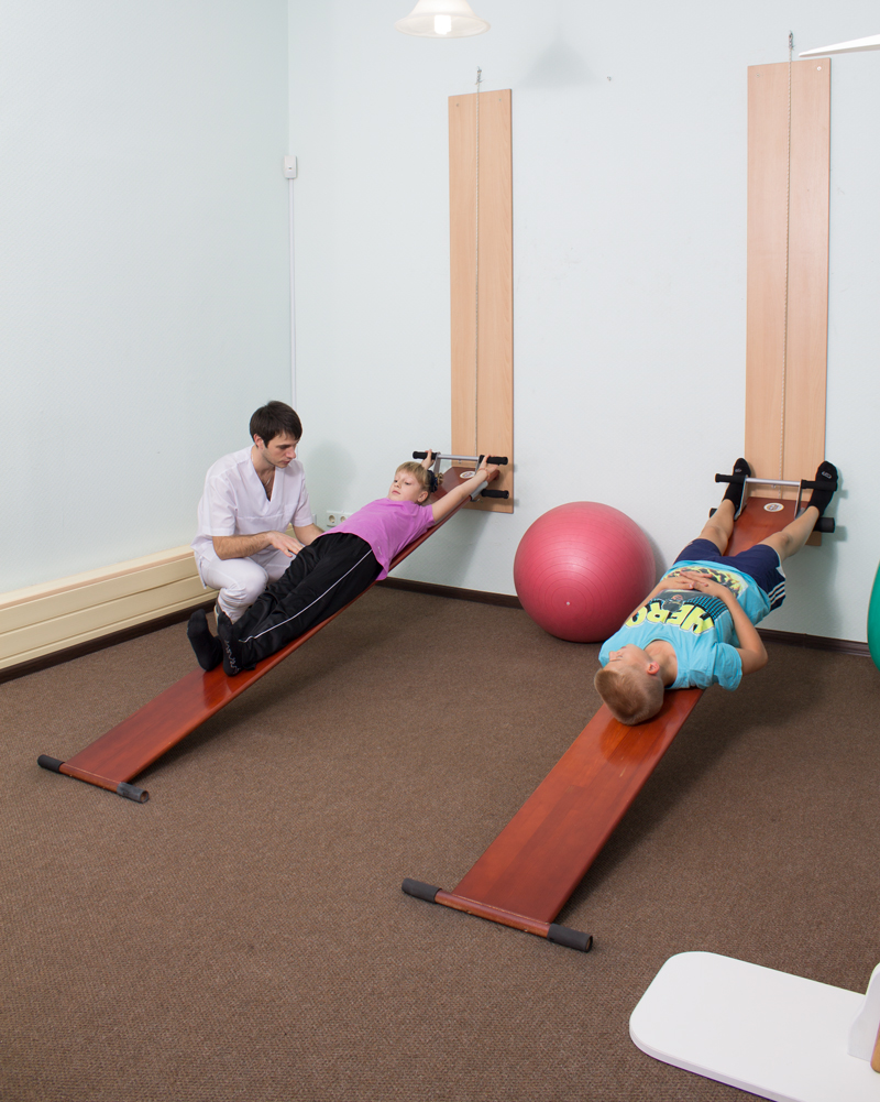 Занятия с детьми по методике Евминова. Проводит врач-реабилитолог Дереза Иван.