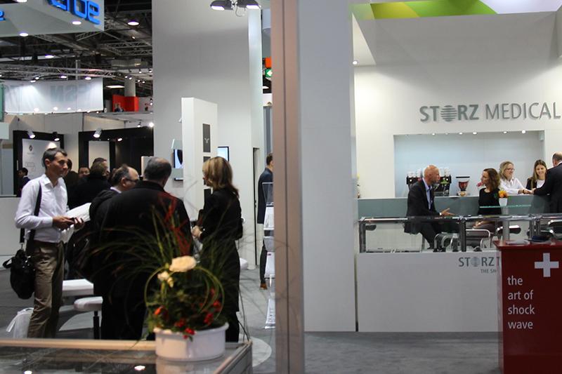Презентация нового оборудования на стенде компании Storz Medical.