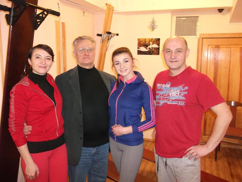 Сотрудники медицинского центра Аватаж и Вячеслав Владимирович Евминов.